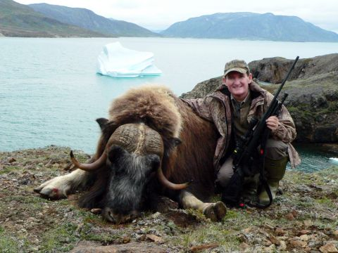 Mike Fifer with his SCI gold medal Musk ox